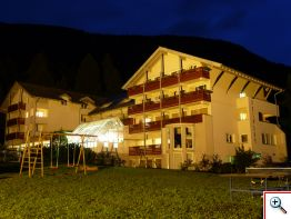 hotel-belmont_sommer_nacht